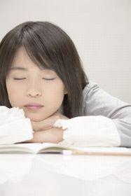 お子さんが眠気を感じていたら仮眠を!