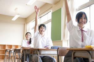 私立中学校のテスト対策には、教科書やプリントが欠かせない